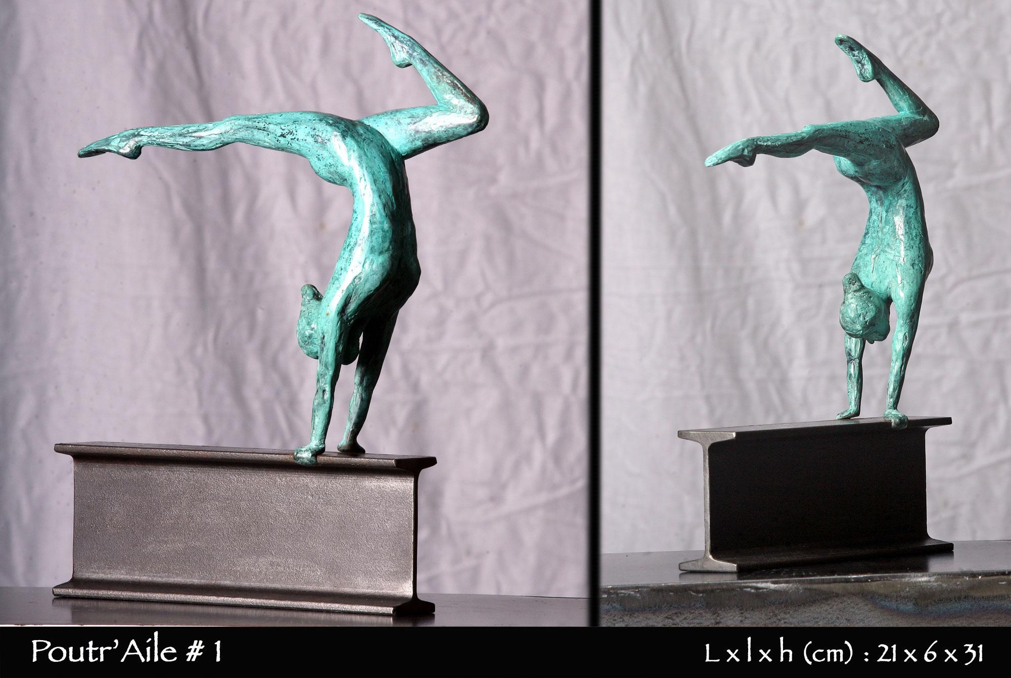 gymnaste en bronze sur poutre