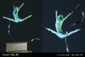 gymnaste en bronze avec ruban